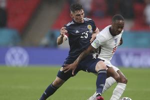 Σκωτία: Πλήγμα με Γκίλμουρ, θετικός στον κορωνοϊό ο MVP του αγώνα με την Αγγλία