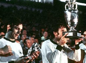 Euro 1976: Το πέναλτι που έγραψε ιστορία (video)