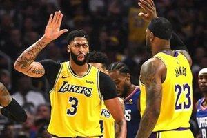 NBA: Επανέναρξη με μεγάλα ντέρμπι (highlights)