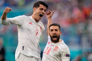 Ελβετία - Ισπανία 1-1 (1-3 πεν.): Ζορίστηκαν αλλά πέρασαν στα ημιτελικά οι «φούριας ρόχας»