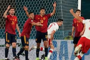 Ισπανία - Πολωνία 1-1: Ο «Λέβα» δεν άφησε να χαρούν οι «φούριας ρόχας»