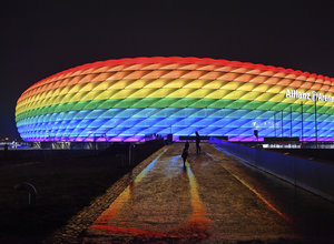 Euro 2020: Η UEFA απέρριψε το αίτημα φωταγώγησης της «Alianz Arena» στα χρώματα της ΛΟΑΤΚΙ κοινότητας