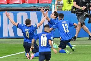 Ιταλία - Αυστρία 2-1: Λυτρώθηκαν στην παράταση οι «ατζούρι»