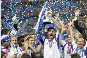 Euro 2004: Το ποδοσφαιρικό έπος της Ελλάδας (video)