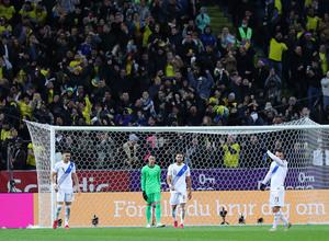Σουηδία-Ελλάδα 2-0: «Χάρισε» τη νίκη και αποχαιρέτησε το Κατάρ (videos)