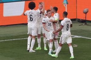 Δανία - Βέλγιο 1-2: Οι δύο «μάγοι» έστειλαν τους «κόκκινους διάβολους» στους «16» του Euro 2020