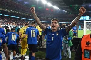 Euro 2020-Ιταλία: Με τσιγάρο στους πανηγυρισμούς ο Ντι Λορέντζο! (video)