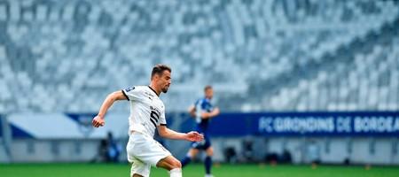 «Προτείνει τριετές συμβόλαιο σε Ντα Σίλβα η ΑΕΚ»