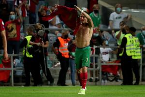 Ρονάλντο: Πρώτος σκόρερ στις Εθνικές ομάδες με 111 γκολ! (video)