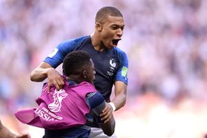 Euro 2020: Πετάει «φωτιές» ο Εμπαπέ