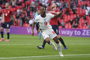 Αγγλία - Τσεχία 1-0: Κρατάνε μόνο την πρωτιά τα «τρία λιοντάρια»